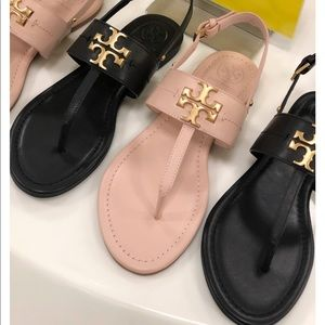 Tory Burch🔴Bryce Black Leather Thong Sandals